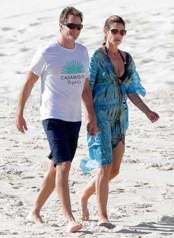 Cindy Crawford in Cabo